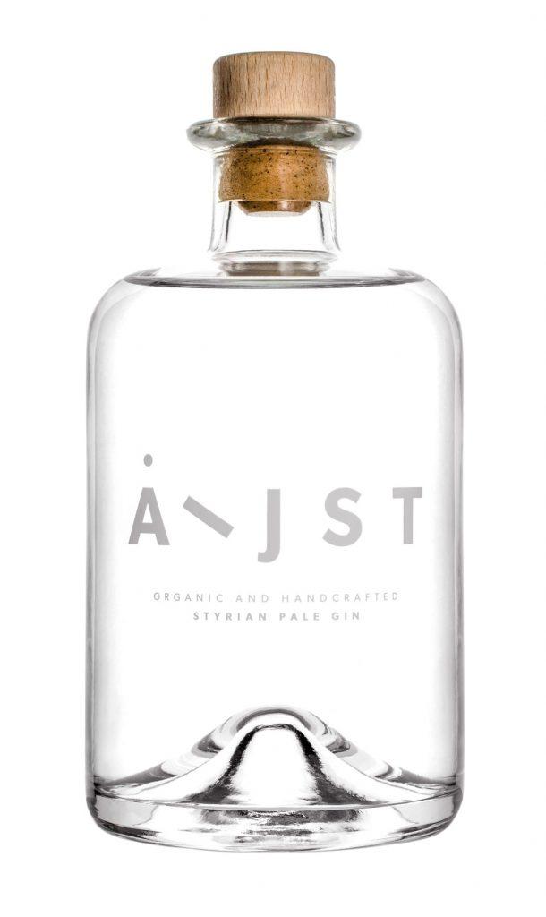 Aeijst Gin bottle